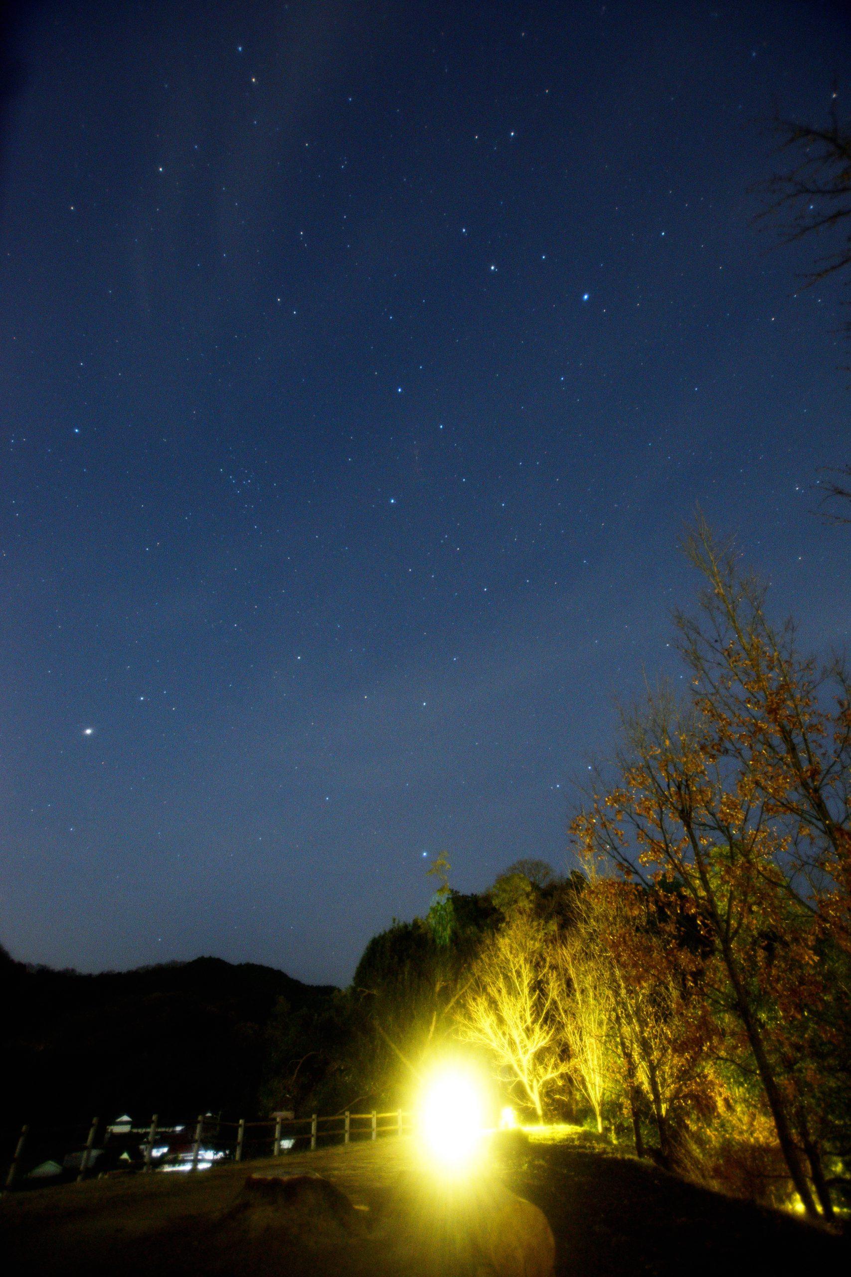 キトラ古墳展望台からしし座と春のダイヤモンド