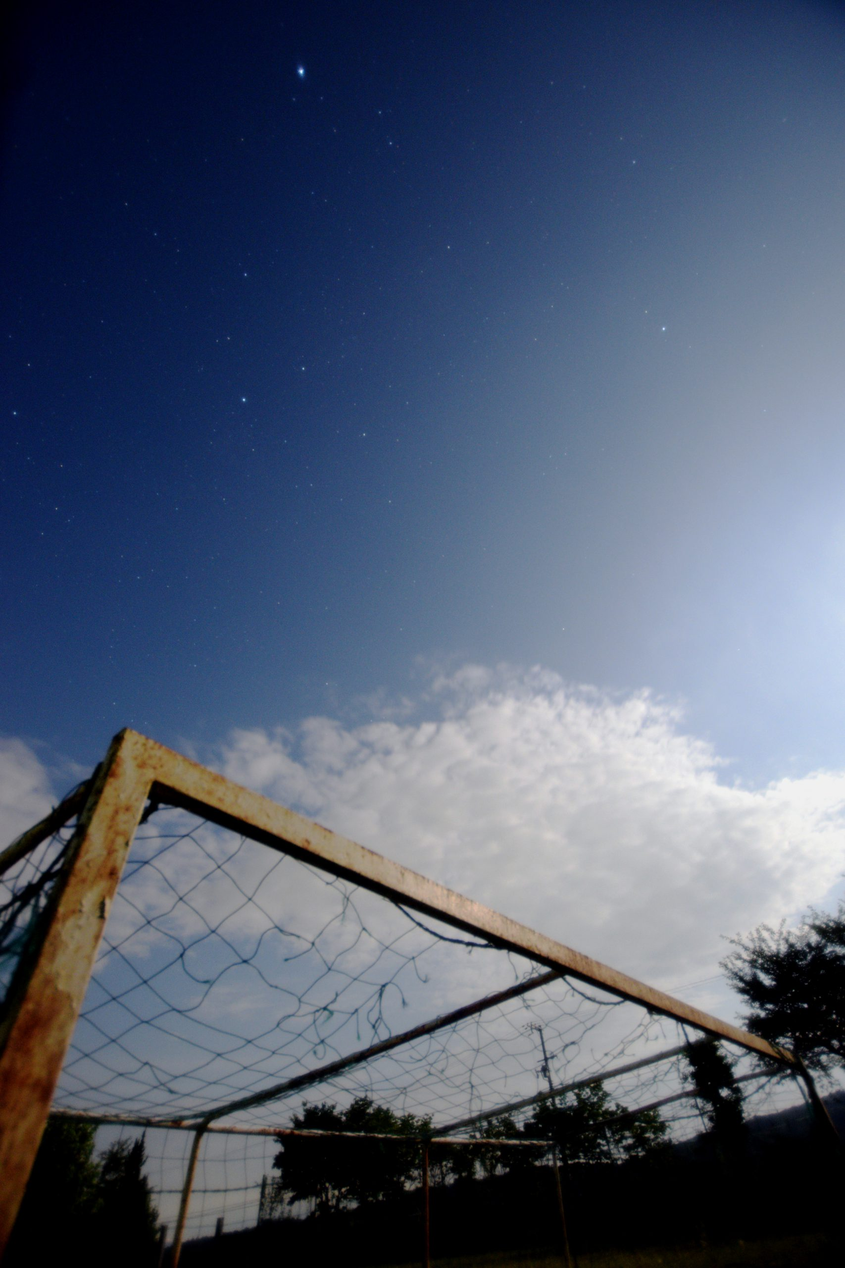 サッカーゴールと夏の大三角